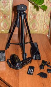 AC1 Digital Video Camera со штативом и всем комплектующим к камере